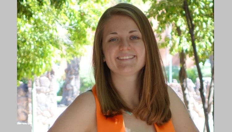 A headshot of Kira Zeider